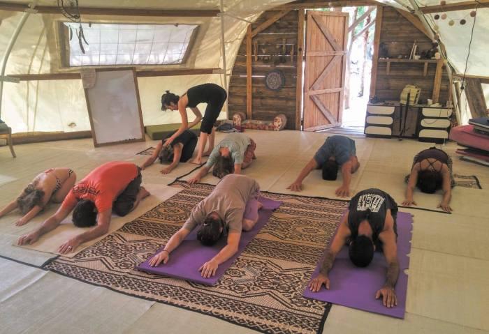 yoga teva haadam